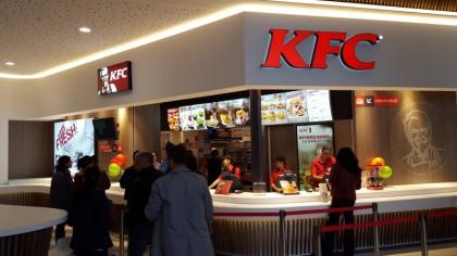 Bacterii periculoase descoperite la KFC! Este alertă în întreaga țară! Mc'Donalds a fost și el controlat