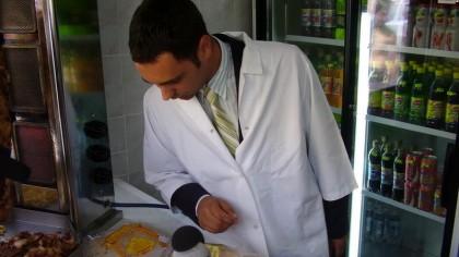 Alertă de gradul 0! Inspectorii ANPC au găsit insecte în mâncarea livrată către clienți! Locațiile care au fost amendate și închise