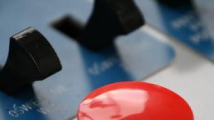 Există un buton roșu care poate declanșa un război nuclear?
