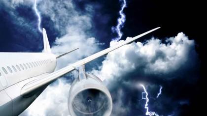 ALERTĂ pe OTOPENI! Un avion a aterizat de urgență – Situația în timp real