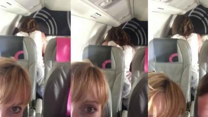 RUȘINE! Moment uluitor surprins de un cuplu în avion. Ce făceau alți 2 pasageri?