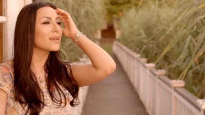 """""""De ce?"""" – Melodia cu care Andra a strâns peste 200 de milioane de vizualizări, necunoscută în România – VIDEO"""