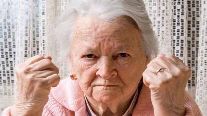 O pensionară REFUZĂ abonamentul gratuit la transport. Motivul, INCREDIBIL
