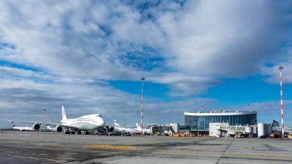 Cât de lungi trebuie să fie pistele de aterizare? Ce lungime au pe Otopeni?