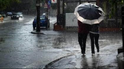 O nouă avertizare COD GALBEN de ploi torenţiale şi vijelii pentru 33 de judeţe. Este vizat şi Bucureştiul