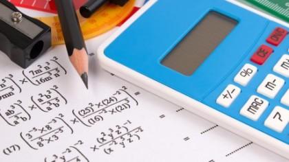 Subiectele la matematica au apărut pe internet, ministrul a anunţat amânarea examenului