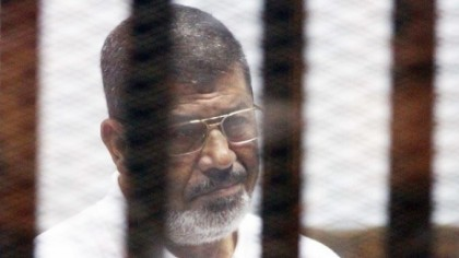 Fostul preşedinte al Egiptului a murit în sala de judecată. Mohamed Morsi a fost alungat de la putere printr-o lovitură de stat