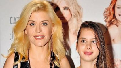 Fiica Loredanei Groza, de nerecunoscut la 21 de ani! Cum a ajuns să arate azi Elena FOTO