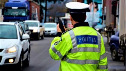 Polițiștii au oprit în trafic un bărbat, în București. Au rămas șocați când au văzut ce are în mașină