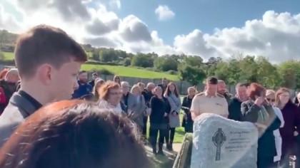 """Oamenii aflați la o înmormântare au avut parte de surpriza vieții lor. Din coșciug, defunctul a început să țipe: """"Lăsați-mă să ies, e al naibii de întuneric aici!"""""""