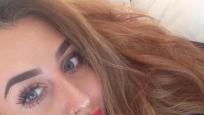Lydia a verificat telefonul iubitului ei și apoi s-a sinucis imediat. Ce a descoperit acolo e îngrozitor