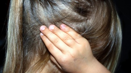 Fetița de patru ani s-a plâns de dureri cumplite de stomac, așa că mama a du-o de urgență la spital. Așa avea să afle un lucru inadmisibil despre ce se întâmpla de fapt la grădiniță