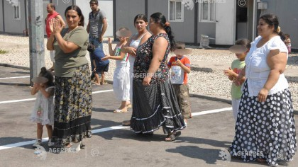 Romii din Italia au invadat o localitate din România: au fugit de coronavirus! Ce au declarat la frontieră