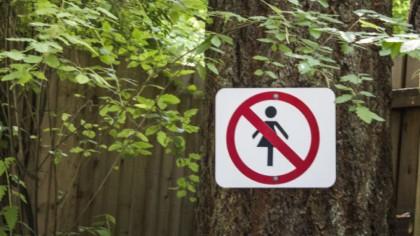 Singurul loc din România unde accesul femeilor este interzis! Aici se aplică legea avatonul