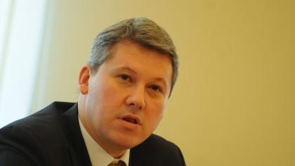 Ministrul Justiției  trimite măşti, mănuşi, combinezoane şi botoşi pentru protecţia magistraţilor, grefierilor şi avocaţilor