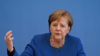 Angela Merkel şi premierii landurilor au convenit să prelungească restricţiile în Germania (DPA)