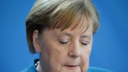 Angela Merkel, favorabilă aplicaţiilor smartphone care contribuie la limitarea răspândirii epidemiei